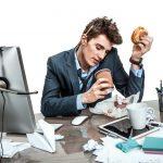 Co zrobić aby nie sięgać w pracy po wysokokaloryczne i bezwartościowe przekąski?