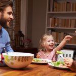 Smaczna kolacja dla dwulatka. Co zrobić, aby była także zdrowa?